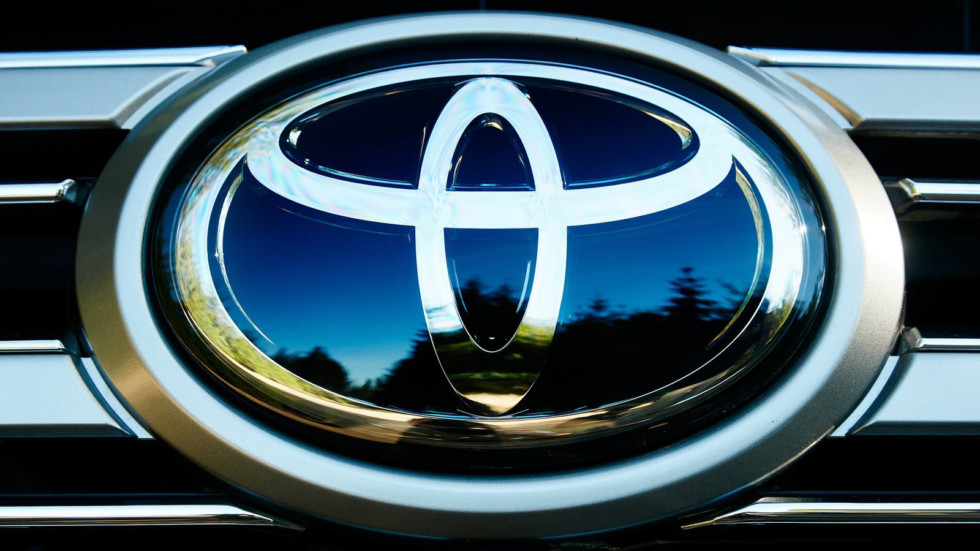 Toyota-Land_Cruiser-2016-1600-2c