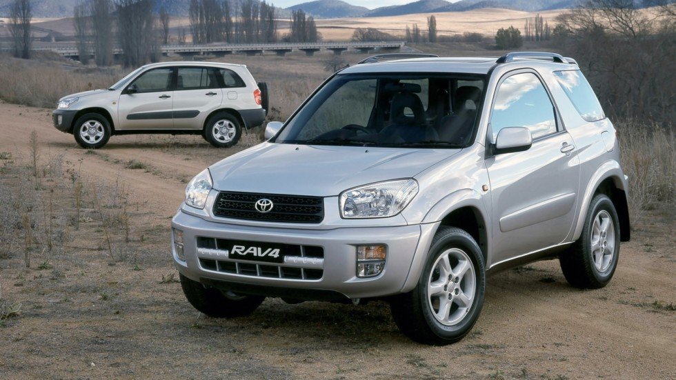 На фото: Toyota RAV4 '2000–05