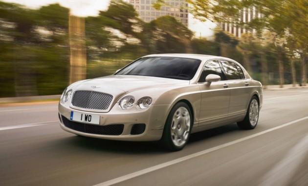 Продажи люксовых авто спробегом в Российской Федерации упали начетверть