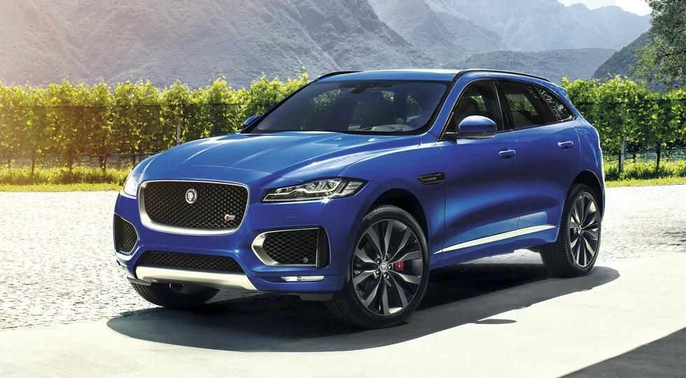 """На фото: Jaguar F-Pace, """"Всемирный автомобиль года"""" и победитель в категории """"Дизайн года"""""""