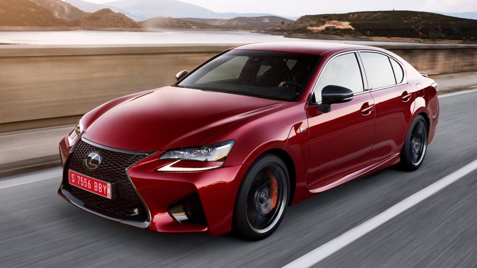 На фото: Lexus GS F - единственная модификация GS, которую можно купить в РФ. Цена на 477-сильный седан начинается от 6 445 000 рублей