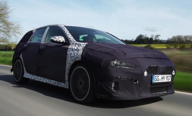 Спортивный Hyundai i30 Nзапечатлели на дорогах Великобритании class=