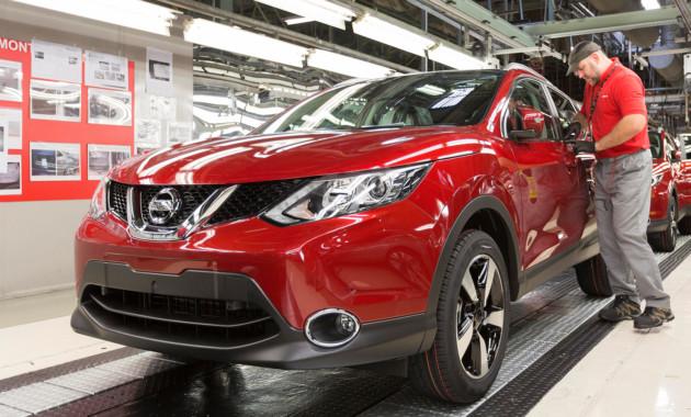 Вирус приостановил работу заводов Renault-Nissan