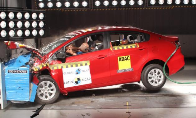 Седан Kia Rio провалил краш-тест Latin NCAP class=