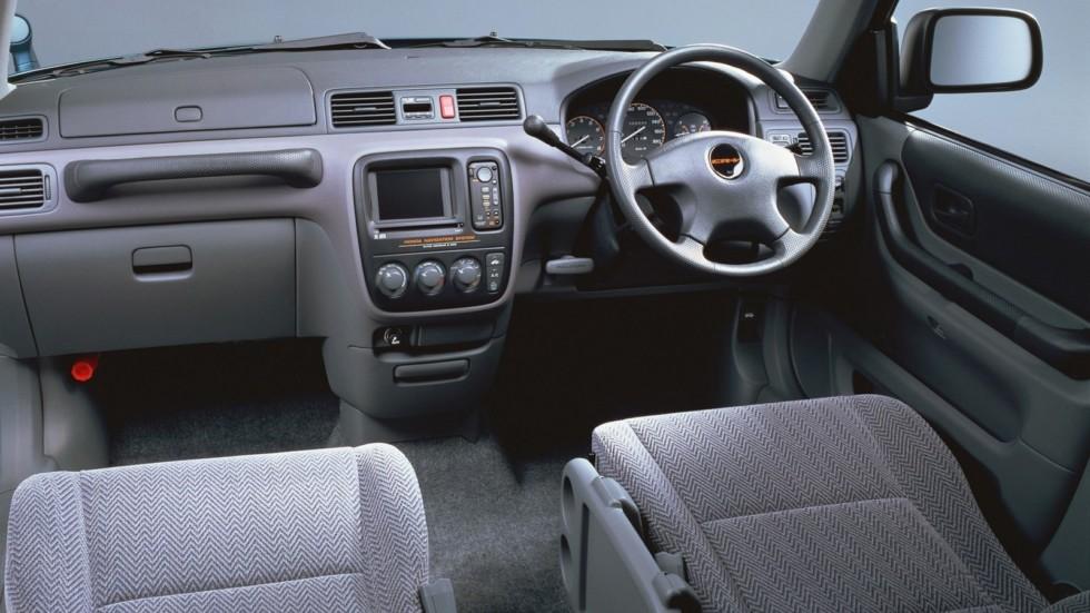 На фото: Салон Honda CR-V '1995–1998