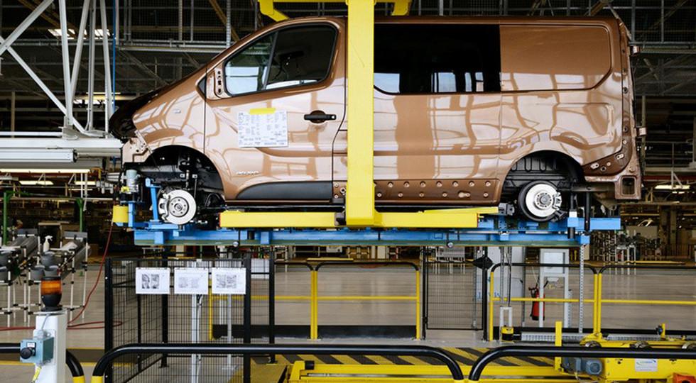 Вирус остановил работу заводов Renault-Nissan