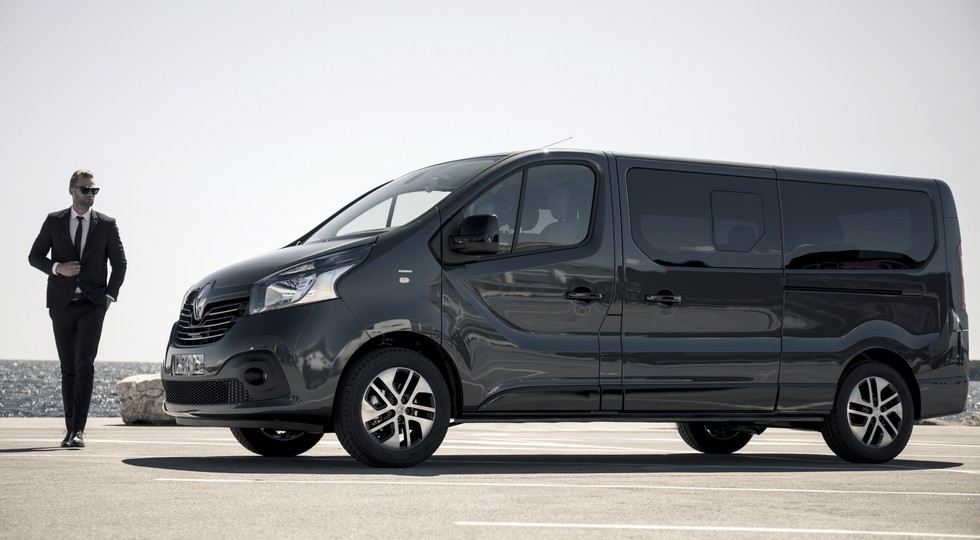 Renault представила Trafic в версии SpaceClass