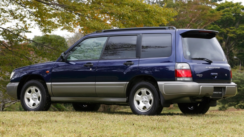 На фото: Subaru Forester (SF) '1997–2000