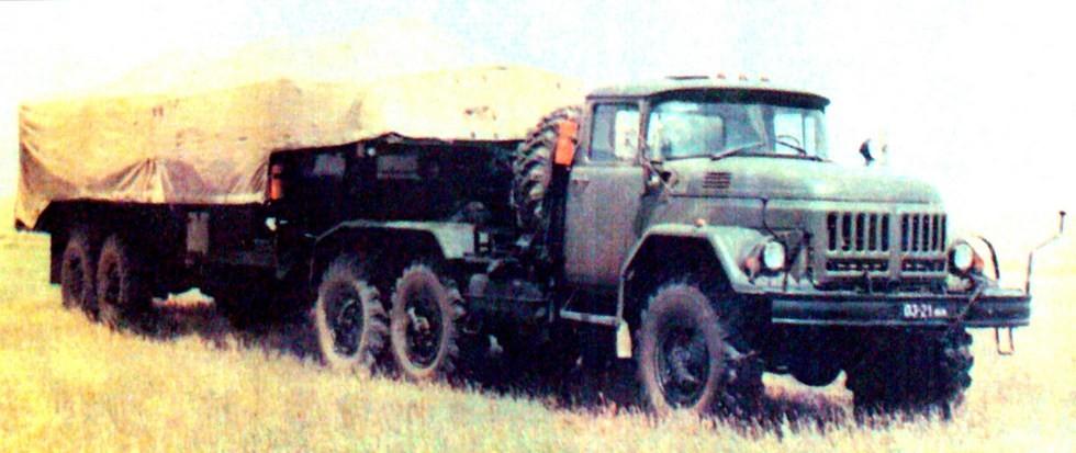 Машина 9Т238 на активном полуприцепе БАЗ-99511 в транспортном положении