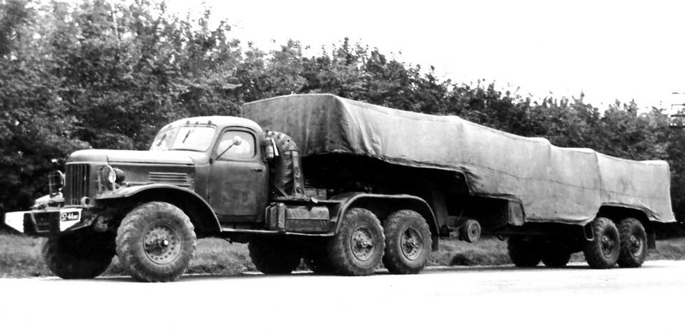 Специальный тягач ЗИЛ-157КВ-1 с активным полуприцепом ПАУ-3 (из архива НИИЦ АТ)