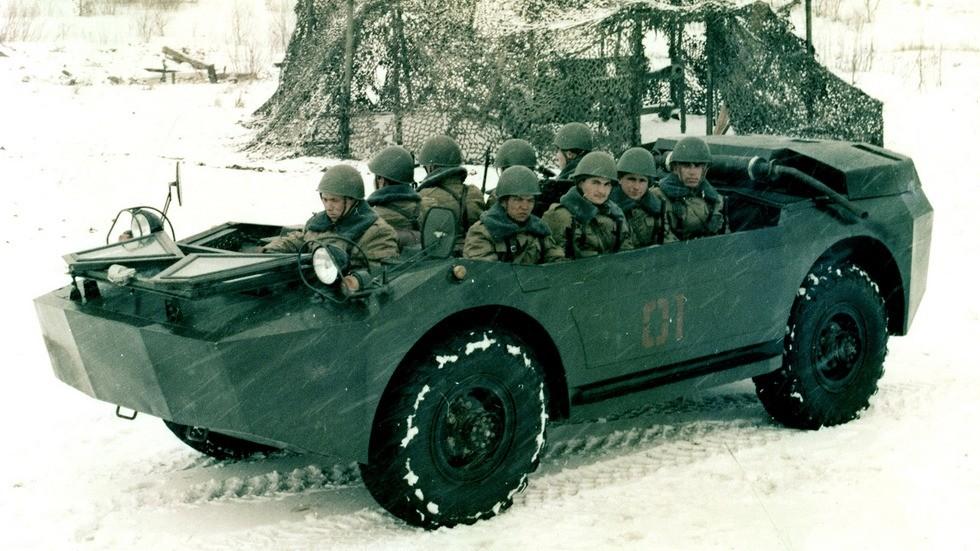 Опытная амфибия НАМИ-0281 для доставки вооруженных десантников