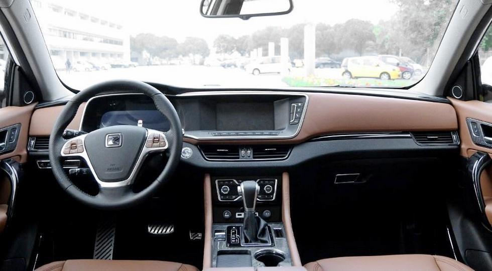 Новый китайский клон VW Touareg встал наконвейер