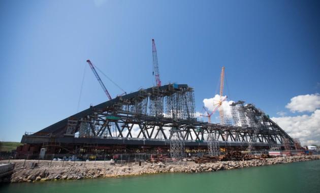 Мост через Керченский пролив создан на55%