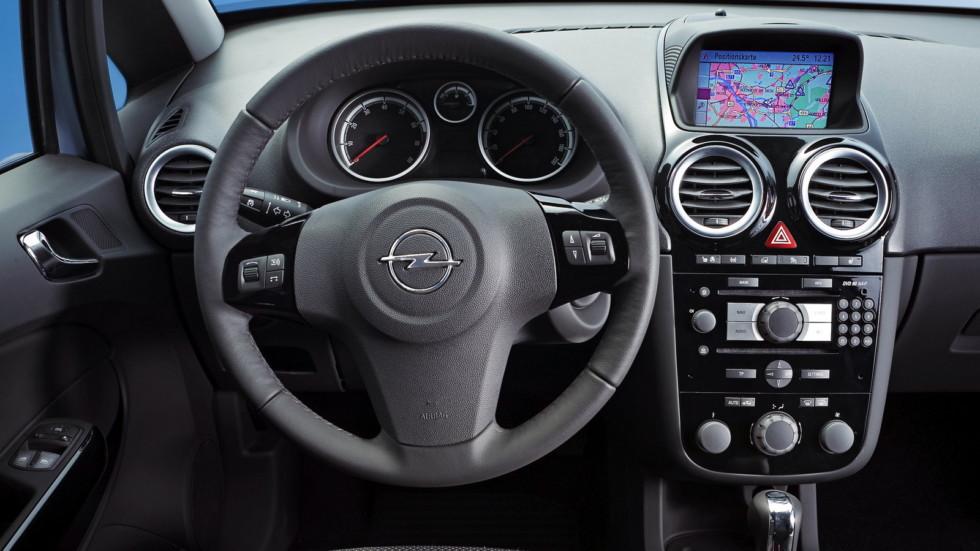На фото: салон Opel Corsa 5-door (D) '2006–09