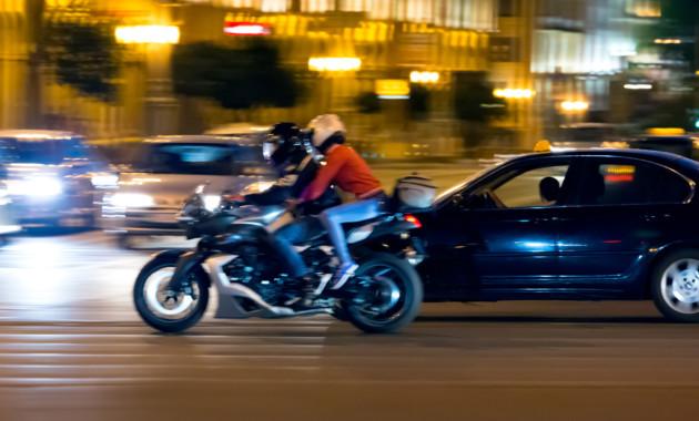 Власти отказались менять ПДД для мотоциклистов