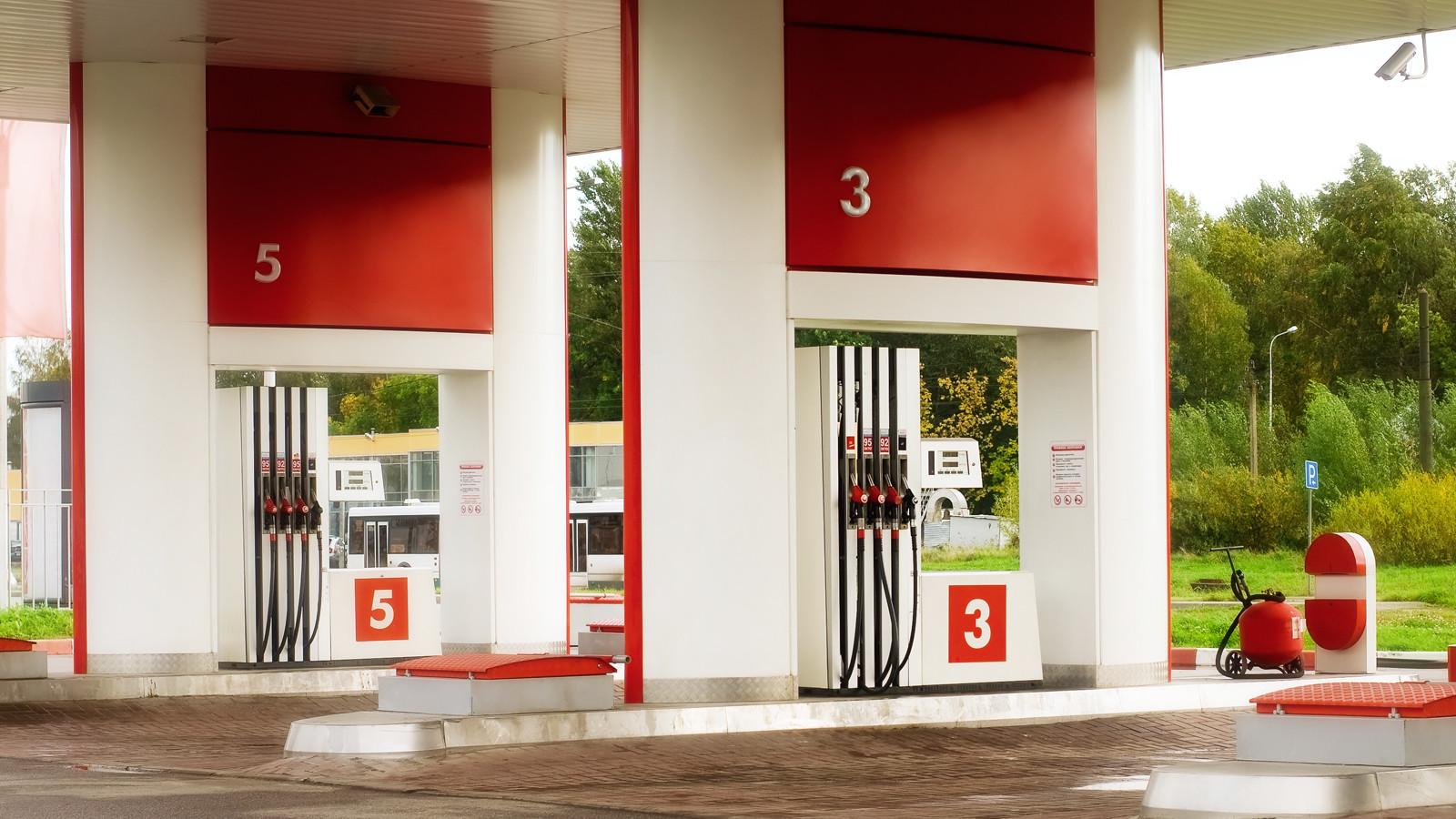 Цены набензин в РФ побили рекорд