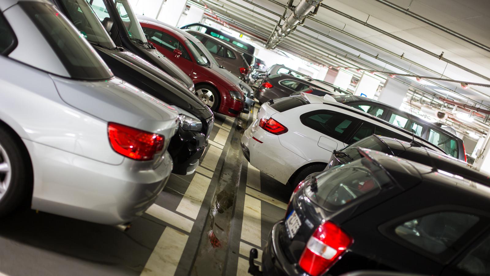 «Крупные придорожные торговые центры должны быть обеспечены съездами ипарковками»— Владимир Афонский