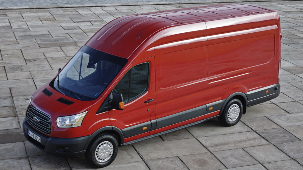 Стандартный фургон Ford Transit Jumbo Van
