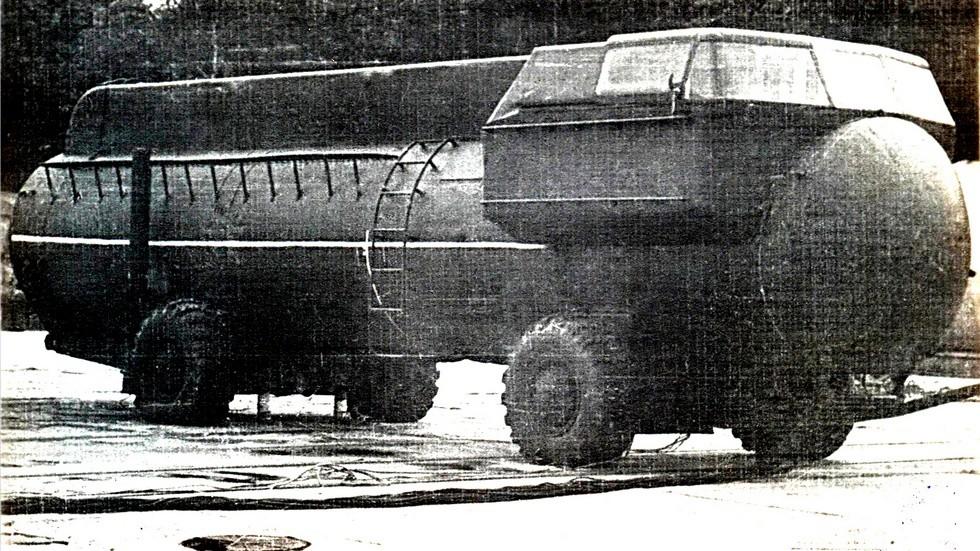 Десантируемая ракетная пусковая установка 9П116 на шасси ЗИЛ-135В