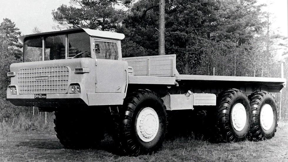 Перспективный 25-тонный грузовой автомобиль НАМИ-076 «Ермак» (из архива А. Карасева)