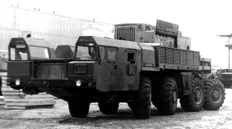 Прототип МАЗ-79085 со всеми управляемыми колесами конструкции 21 НИИИ (из архива НИИЦ АТ)