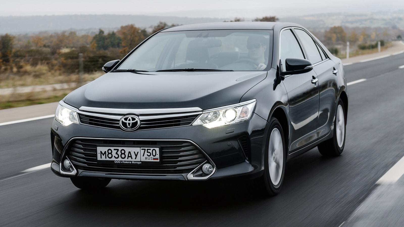 Тоёта снизила цены наCamry, Corolla иRAV4