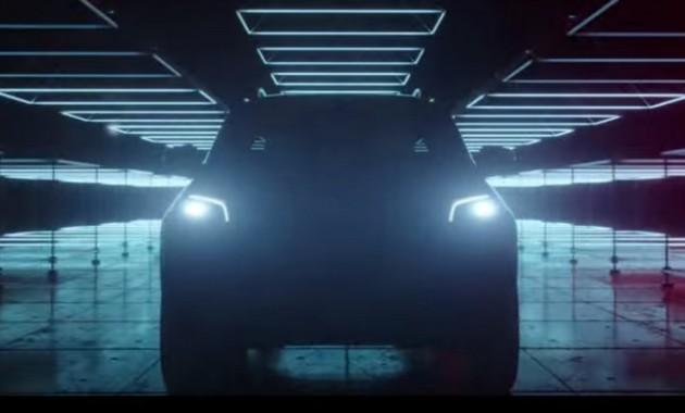 Серийный Мерседес-Бенс X-Class дебютирует 18июля