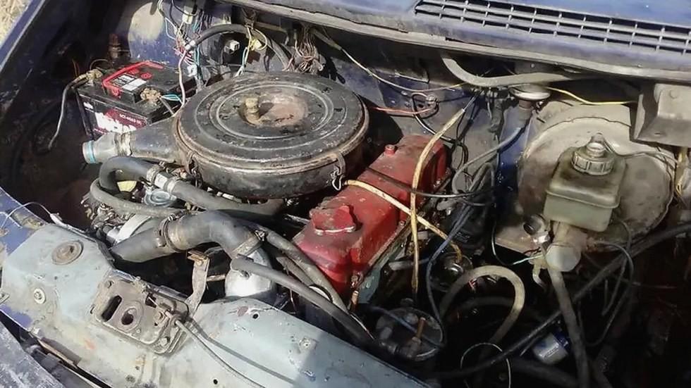 Обычный восьмиклапанный двигатель оказался явно слабоват для микроавтобуса на 13 пассажиров. К тому же мотор сильно грелся.