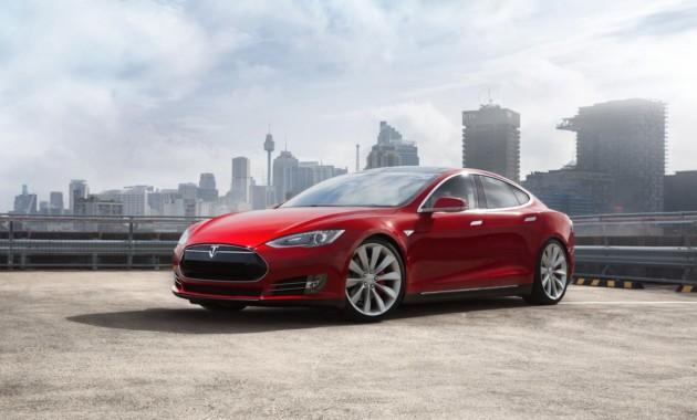 Tesla Model 3: первые фото ивидео серийной модели