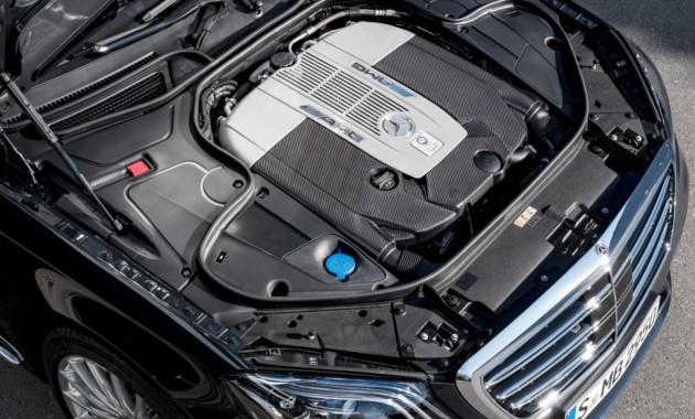 Mercedes-Benz не отказывается от двигателей V12 для некоторых моделей