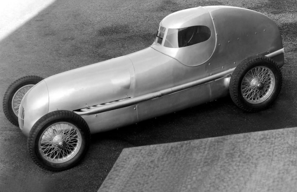 На фото: Mercedes-Benz (W25) '1934