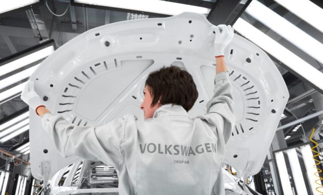 Завод ГАЗ возобновил сборку авто Фольксваген и Шкода