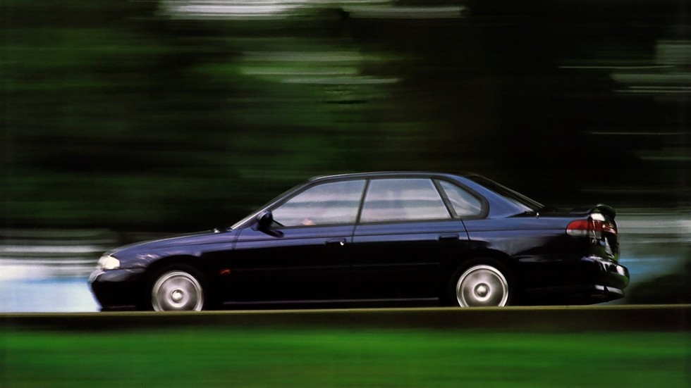 На фото: Subaru Legacy RS (BD) '1993–1996