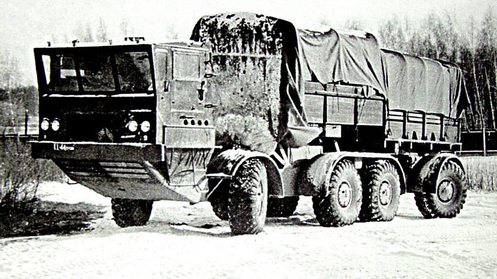 Испытания машины ЗИЛ-135КП с электроусилителем рулевого механизма