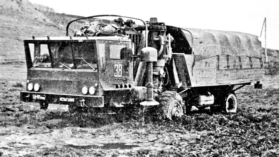 Испытания уникальной машины ЗИЛ-135МШ на пересеченной местности