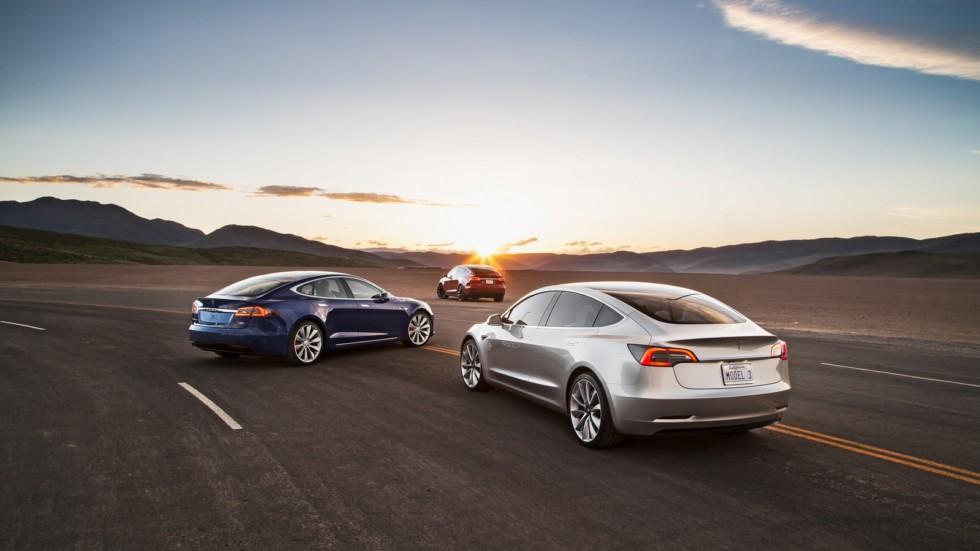 На фото: Tesla