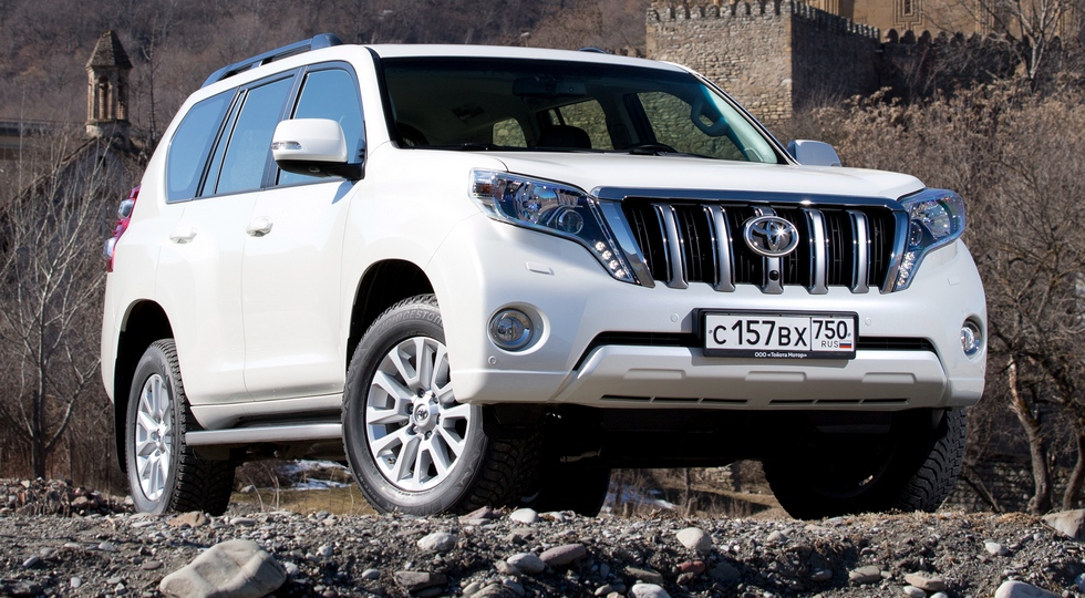На фото: Toyota Land Cruiser Prado