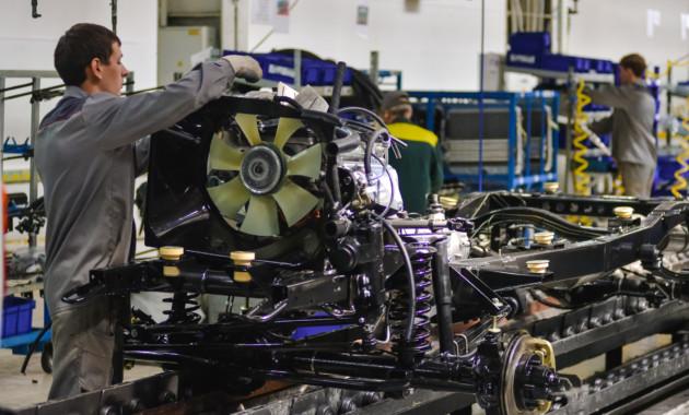 УАЗ может перейти насокращённую рабочую неделю из-за падения спроса напродукцию