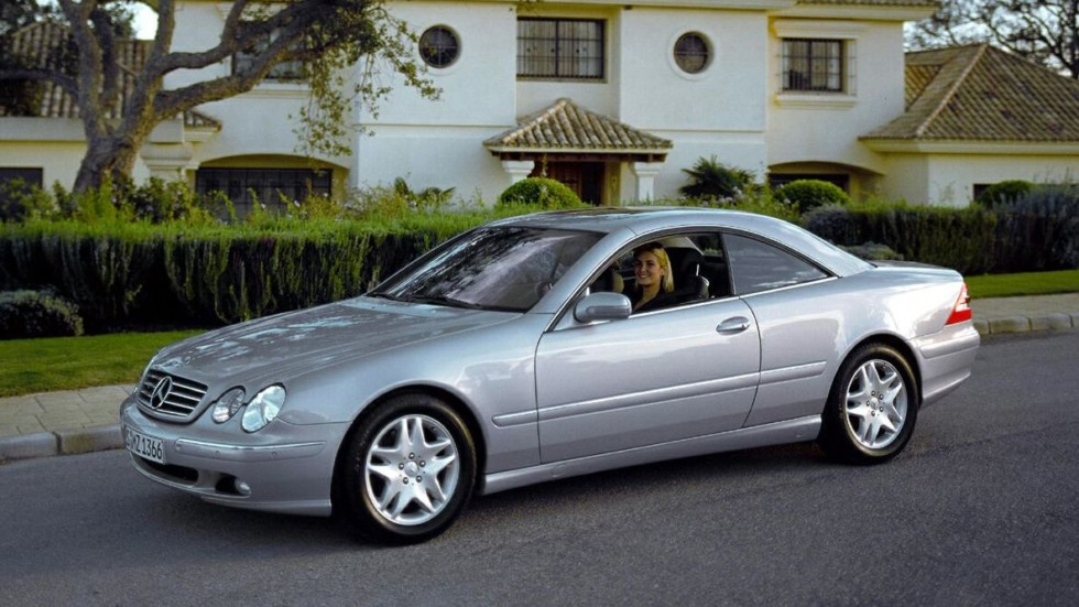 На фото: Mercedes-Benz CL 500 (C215) '1999–2006