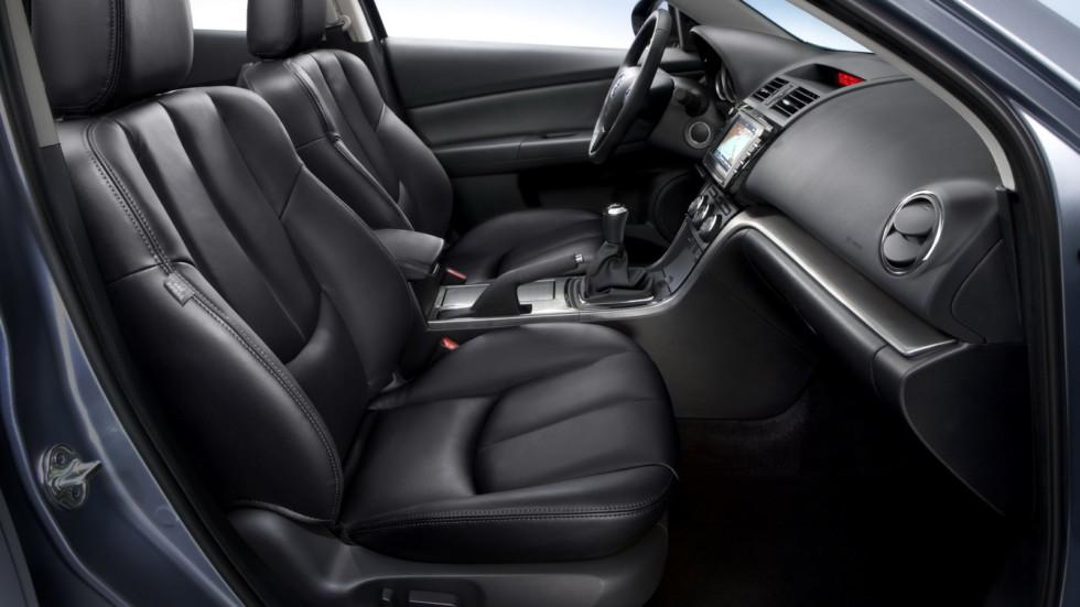На фото: салон Mazda6 (GH) '2010–12