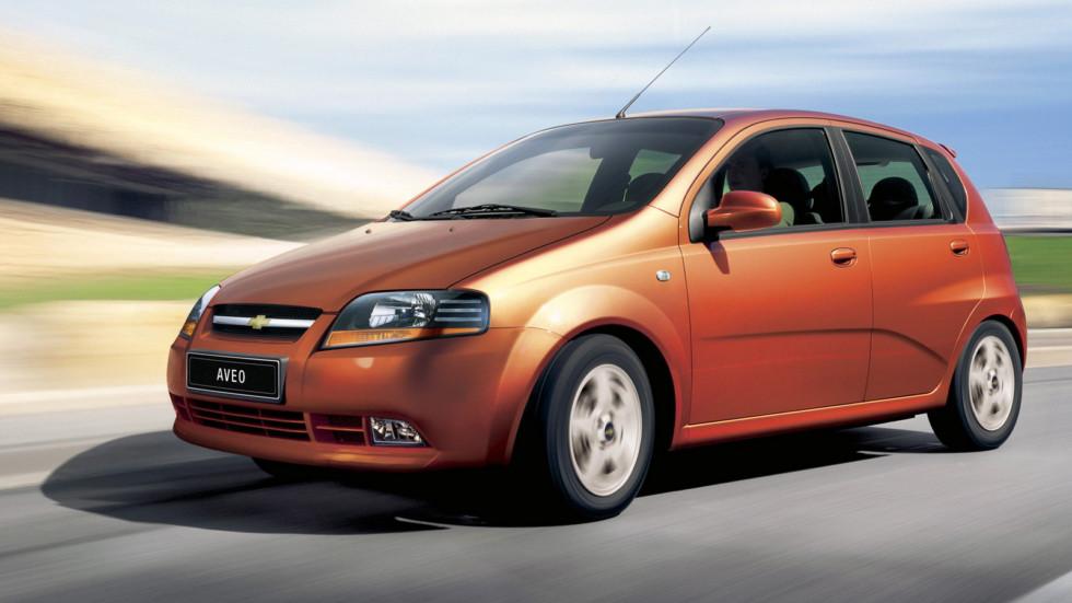 На фото: Chevrolet Aveo 5-door (T200) '2003–08