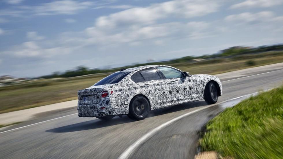 На фото: предсерийная BMW M5 F90