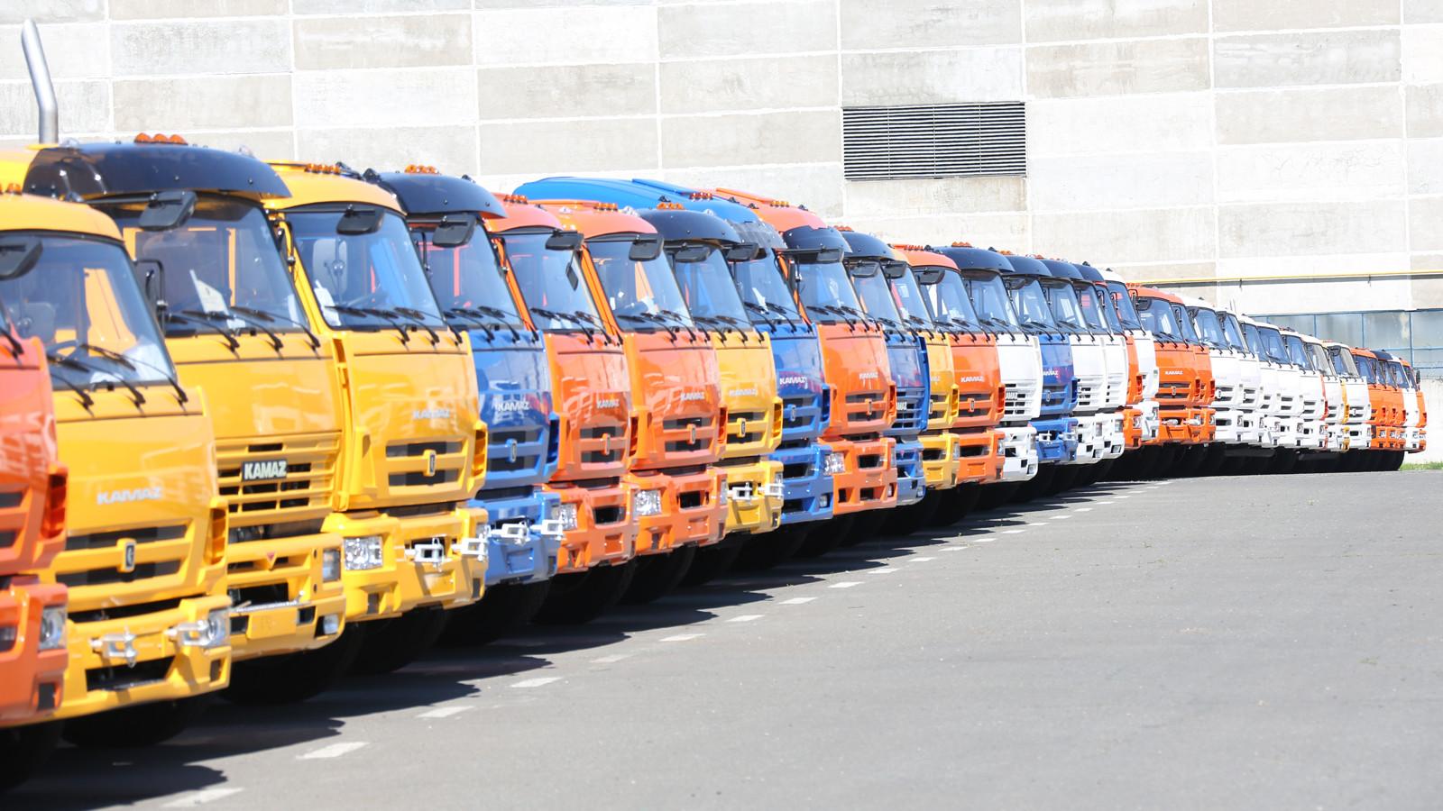 Медведев выделил 535млнруб. на грузовые автомобили для ООН