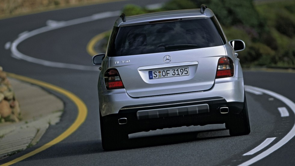 На фото: Mercedes-Benz ML 350 (W164) '2005–08
