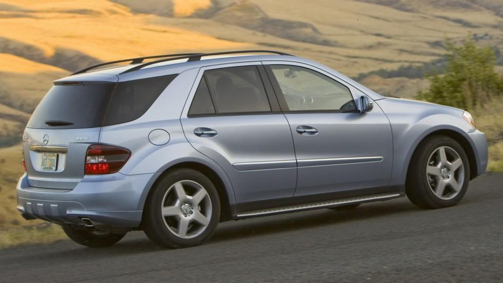 На фото: Mercedes-Benz ML 550 (W164) '2006–08