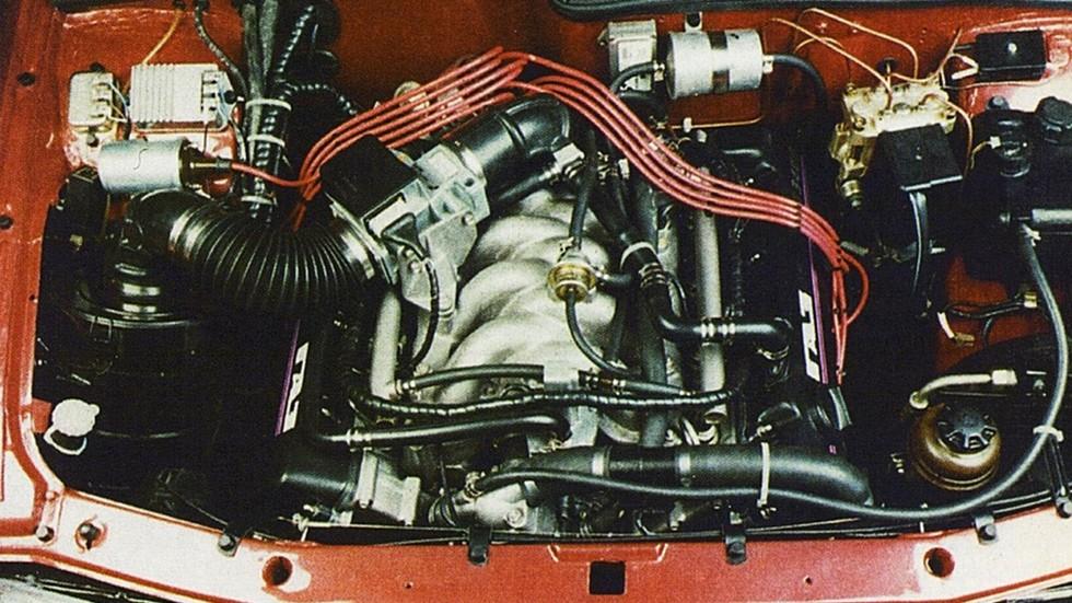 """На фото: Под капотом ГАЗ-3105 """"Волга"""" '1992–96"""