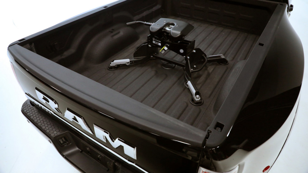 New Mopar hitch offers the highest available 5th wheel towing