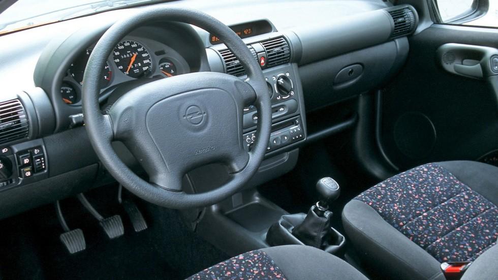 Торпедо Opel Tigra '1994–2000