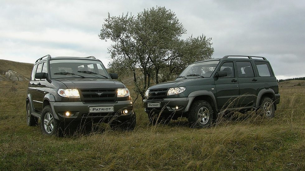 На фото: UAZ Patriot Limited '2005–09