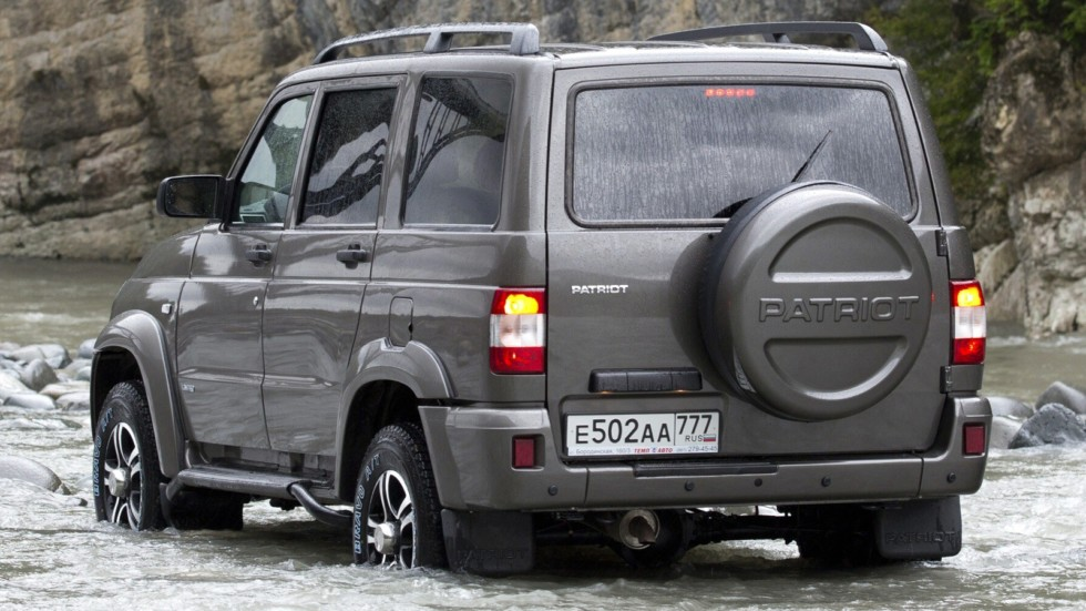 На фото: UAZ Patriot Limited '2013–2014